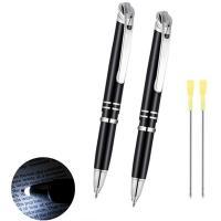Bolígrafo con luz en la punta