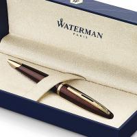 Bolígrafo con clip de oro