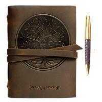 Diario de cuero con bolígrafo