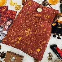 Funda artesanal Hermione Harry Potter