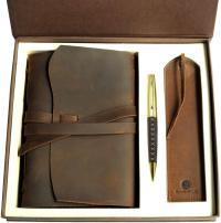 Cuaderno de cuero hecho a mano