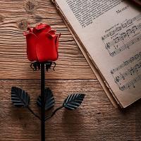 Rosa eterna de hierro forjado